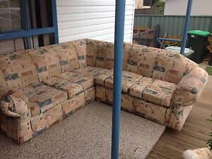 lounge free Cessnock Cessnock Area Preview