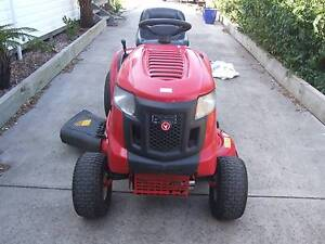 Rover Rancher Ride On Mower 17HP 42 Inch Cut Rosedale Wellington Area Preview
