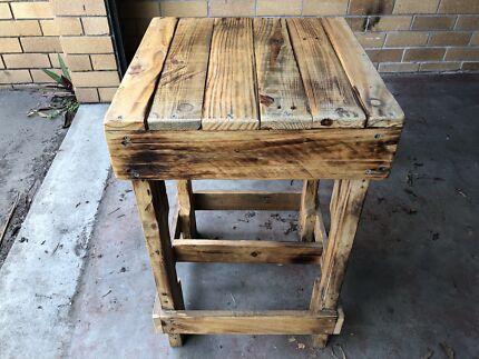 Wood pallet bar stools