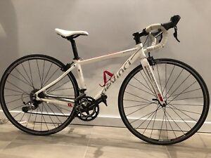 Vélo de route pour femme