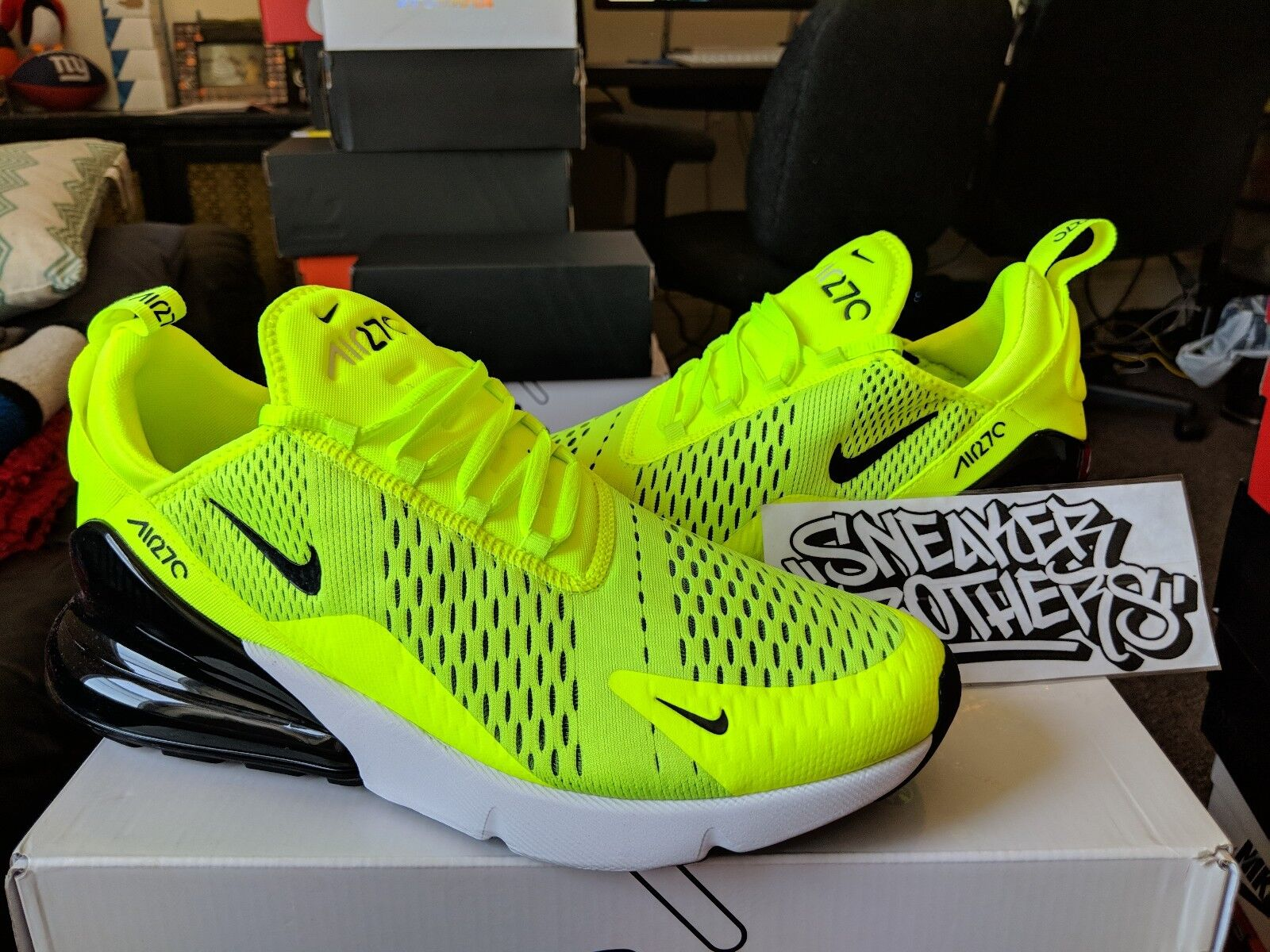 08642d33f85443  Item For sale  New with box   Nike Air Max 270 Volt Black Dark Grey White  Neon Yellow Running Men s AH8050-701