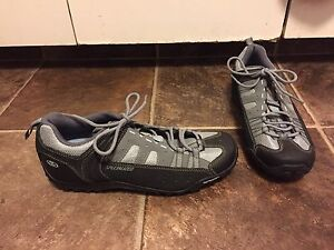 """""""Like New"""" Specialized Cilpless Bicycle Shoes"""