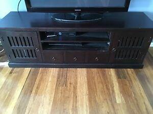 Large hard wood TV entertainment unit BARGAIN !!!! Oyster Bay Sutherland Area Preview