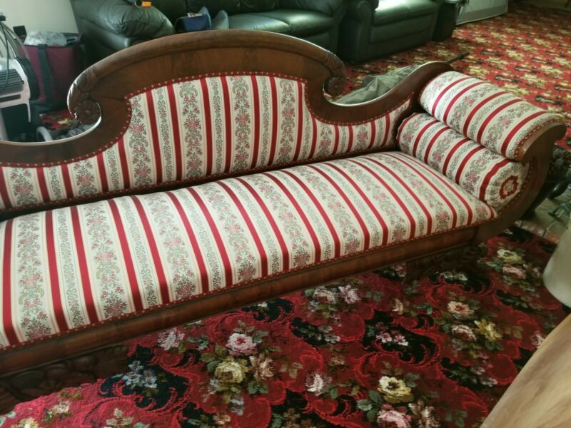 VINTAGE BEAUTIFUL REUPHOLSTERED FLORAL WINE PARLOR SOFA COUCH, DARK WOOD, FOOTED