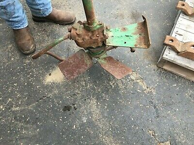 Used John Deere F2311r Fan Shaft Af2339r 50 60 70 520 530 620 630 720 730 Semi-a