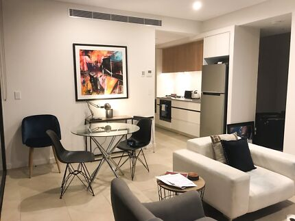 Fully furnished Luxurious Ultimo 2 bedroom Plus study Apartments