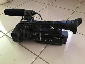 Sony HVR-V1P HDV 3CMOS PRO Camcorder - very good condition Boronia Knox Area Preview