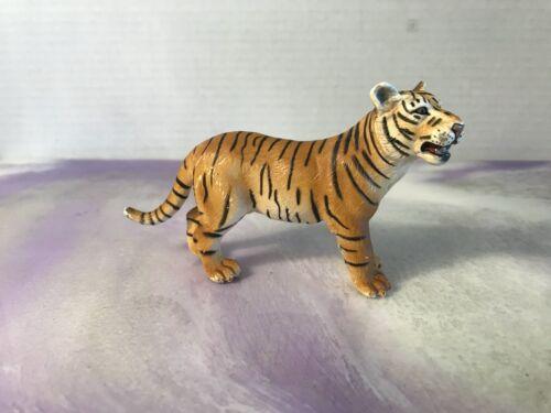 Schleich BENGAL ORANGE TIGRESS Tiger  Adult Animal Figure 2003 Retired