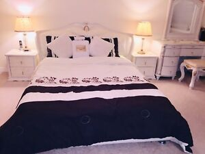 Beautiful high end luxury queen bed set