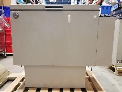 Labline Thermo Incubator Model 3526