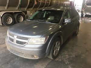 LOOKING TO TRADE! 2009 DODGE JOURNEY SXT