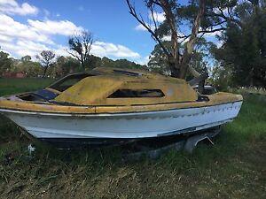 Free half cabin boat hull no trailer Kemps Creek Penrith Area Preview