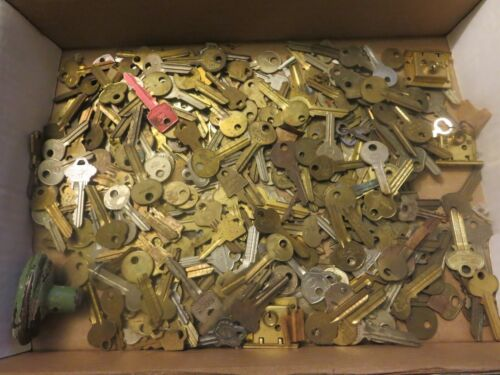 5 Pounds of keys Assorted Key Blanks 5+ Lbs Star Company Keil Tedesco IL Falcon