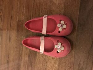 Nice and pretty crocs size 12 youth girls shoes