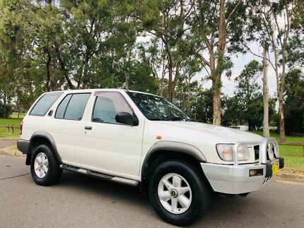 2001 Nissan Pathfinder ST Wagon 4x4 AUTO Logbook Service White Moorebank Liverpool Area Preview