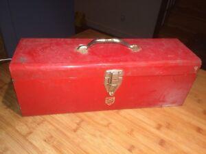 Antique coffre outil rouge metal