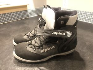 Back country Nordic boots
