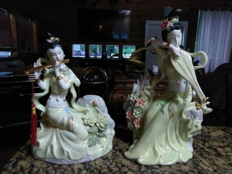 CHINESE GEISHA WOMEN Porcelain Musicians Beautiful Set Of Two