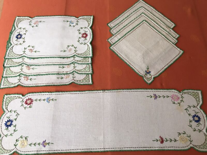 Vintage Antique Hand Embroidered Table Runner & Set Of 4 Placemats and Napkins