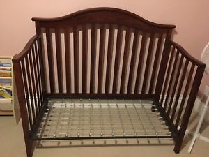Baby/Toddler Bedroom Set - Solid Wood/Great Conditon