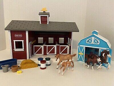 Breyer Stablemates Horse Barn, 4 Horses, Foal Pocket Barn & Accessories