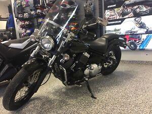 2015 Yamaha V-Star 650 / 7500 km / ONLY $4999