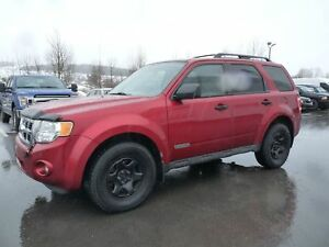 Ford Escape 4 portes, 4 RM, 4 cylindres  XLT