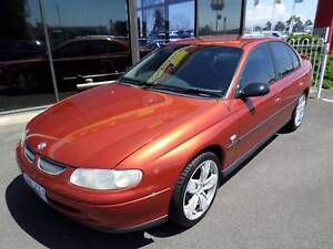 2000 Holden Commodore 5 Speed Manuel Sedan