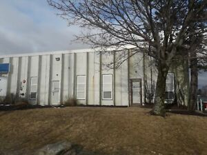 1900 sq. ft of Clean Warehouse Space Available Now in Burnside!