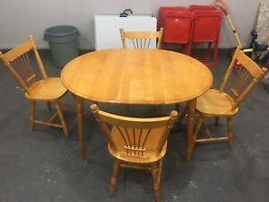 Table n chairs set