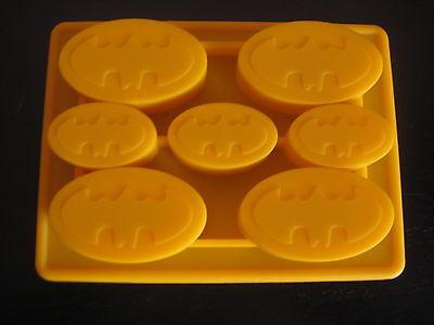BATMAN LOGO SILICONE BIRTHDAY CAKE PAN CHOCOLATE CANDY MOLD ICE TRAY