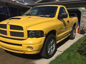 "Dodge Ram 1500 ""Rumble Bee"" 2005"