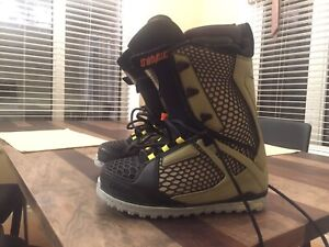 Thirtytwo Men's Snowboard boots size 10.