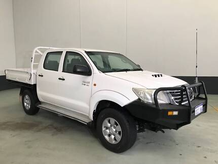2012 TOYOTA HILUX SR (4x4) DIESEL LOW KMS IN PERFECT CONDITION!!!