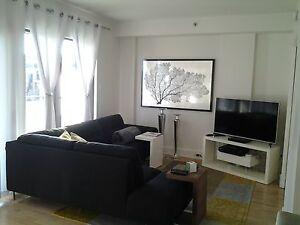 CONDO 3 1/2, HAUT DE GAMME, au COEUR DE STE-FOY, semi-meubles