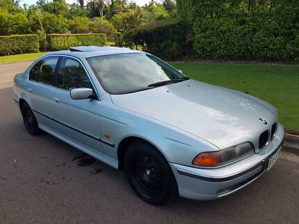 BMW 523I Sedan - VERY WELL LOOKED AFTER - FULL SERVICE BOOKS