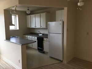 1 bedroom apartment available now, close to the hospitals