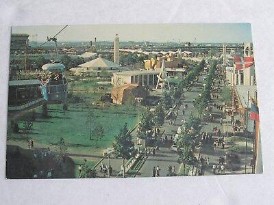G462 Postcard New York Worlds Fair 1964 1965 Avenue of the Americas