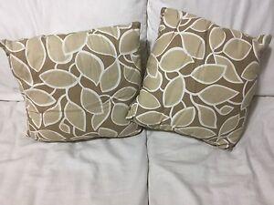 Pillows  Oakville / Halton Region Toronto (GTA) image 1