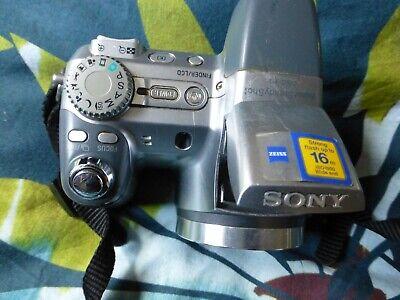 Sony Cyber-shot DSC-H2, 1:2.8 - 3.7, 6 - 72mm Carl Zeis Lens