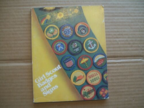 Girl Scouts Badges and Signs (1980) SOFTCOVER