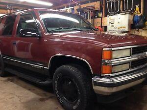 Clean 1999 Chevrolet Tahoe 4x4