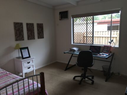Short Term Furnished Room For Rent Yorkeys Knob Cairns City Preview