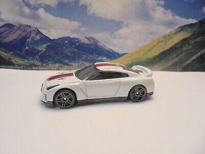 2017 NISSAN SKYLINE GT-R    2020 Hot Wheels Speed Graphics Series    White