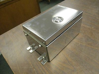 Coopercrouse-hinds Stainless Steel Enclosure Xlv510906951 No Box New Surplus