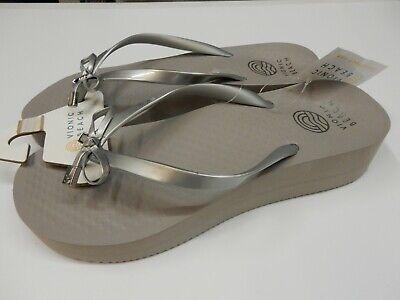 Vionic Womens Beach Bondi Bow Wedge Toe Post Sandal Silver 7