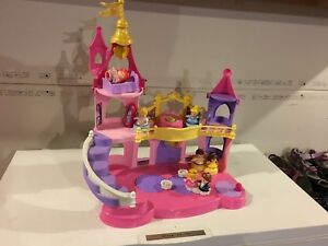 Little People Disney Princess Musical Dancing Palace