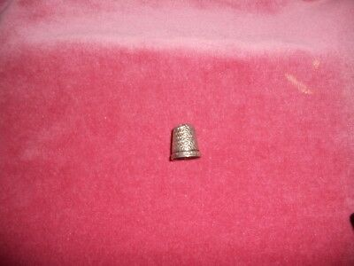 Vintage 1926 silver THIMBLE marked anchor,lion,letter B decorative floral design