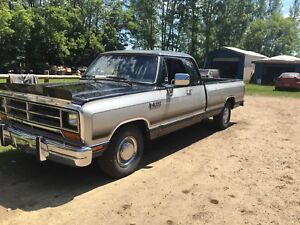 90 dodge d150 LE Club cab