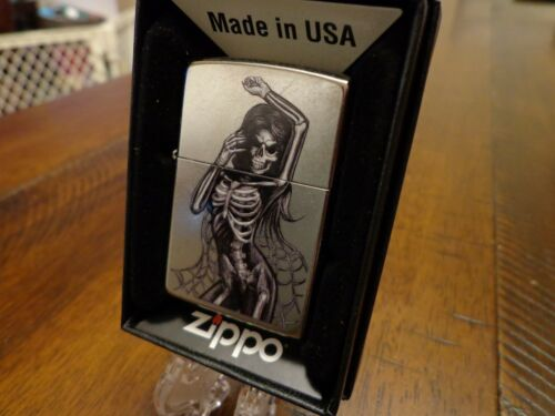 SEXY SKELETON PINUP GIRL ZIPPO LIGHTER MINT IN BOX